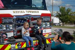 Quaker Steak Touch a Truck Sept 21 2014 (69)