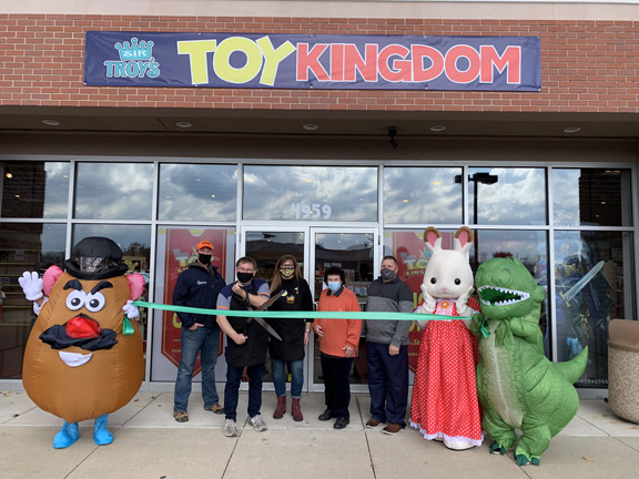 toy kingdom opening ribbon cutting